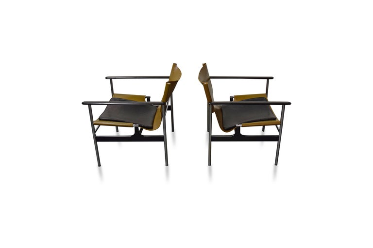 American Pair of Charles Pollock for Knoll Lounge Chairs For Sale