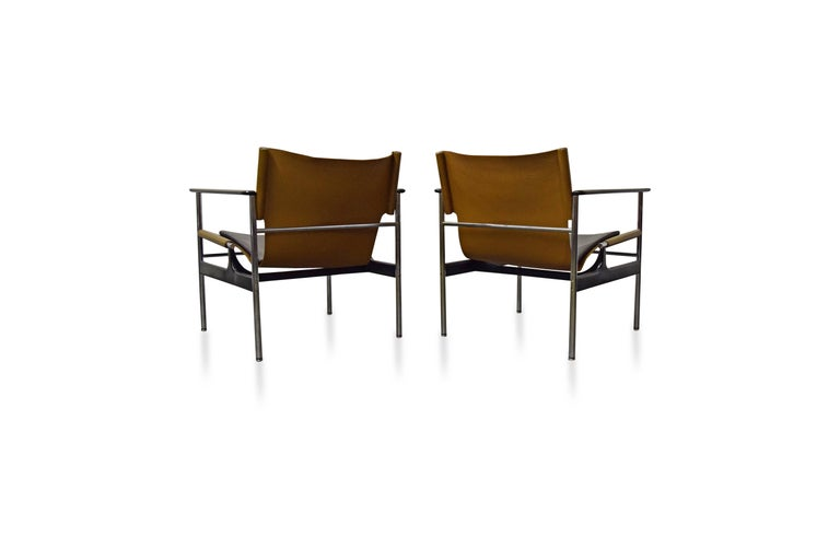 Pair of Charles Pollock for Knoll Lounge Chairs In Excellent Condition For Sale In Middlesex, NJ