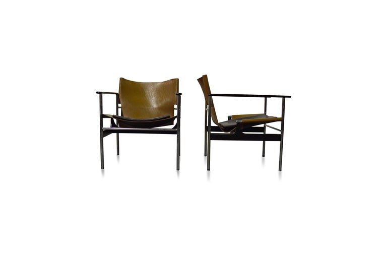 Pair of Charles Pollock for Knoll Lounge Chairs For Sale 2