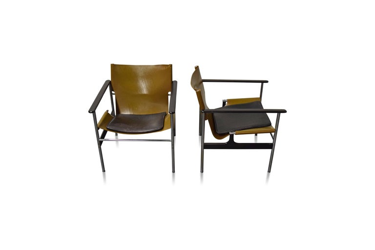 Pair of Charles Pollock for Knoll Lounge Chairs For Sale 3