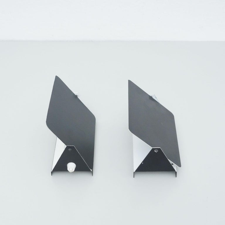 Pair of Charlotte Perriand Mid-Century Modern Black Metal CP-1 Wall Light, 1960 In Good Condition For Sale In Barcelona, Barcelona