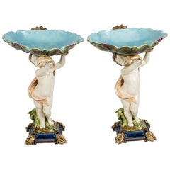 Pair of Cherubs Supporting Floral Cups, Sarreguemines Manufacture, circa 1870