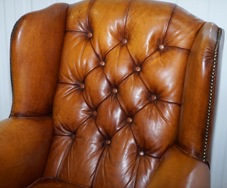 Hand-Crafted Pair of Chesterfield Tetrad Oskar Aged Tan Brown Leather Buttoned Armchairs For Sale