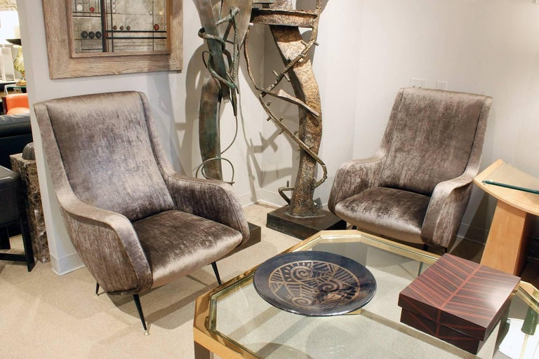 Brass Pair of Chic and Sculptural Italian Lounge Chairs, 1950s For Sale