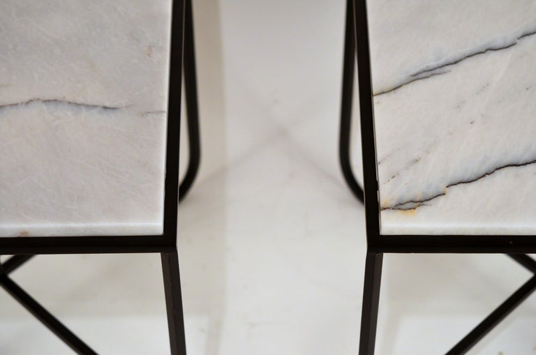 Pair of Chic 'Entretoise' Veined White Quartz Side Tables by Design Frères In New Condition For Sale In Los Angeles, CA