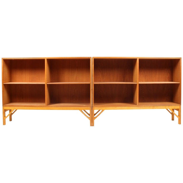 Pair of China Bookcases in Oak by Børge Mogensen, Made in Denmark, 1960s For Sale