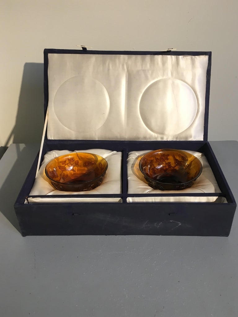 Pair of Chinese Amber Peking Glass Carved Bowls, Qing Dynasty, Late 19th Century For Sale 7