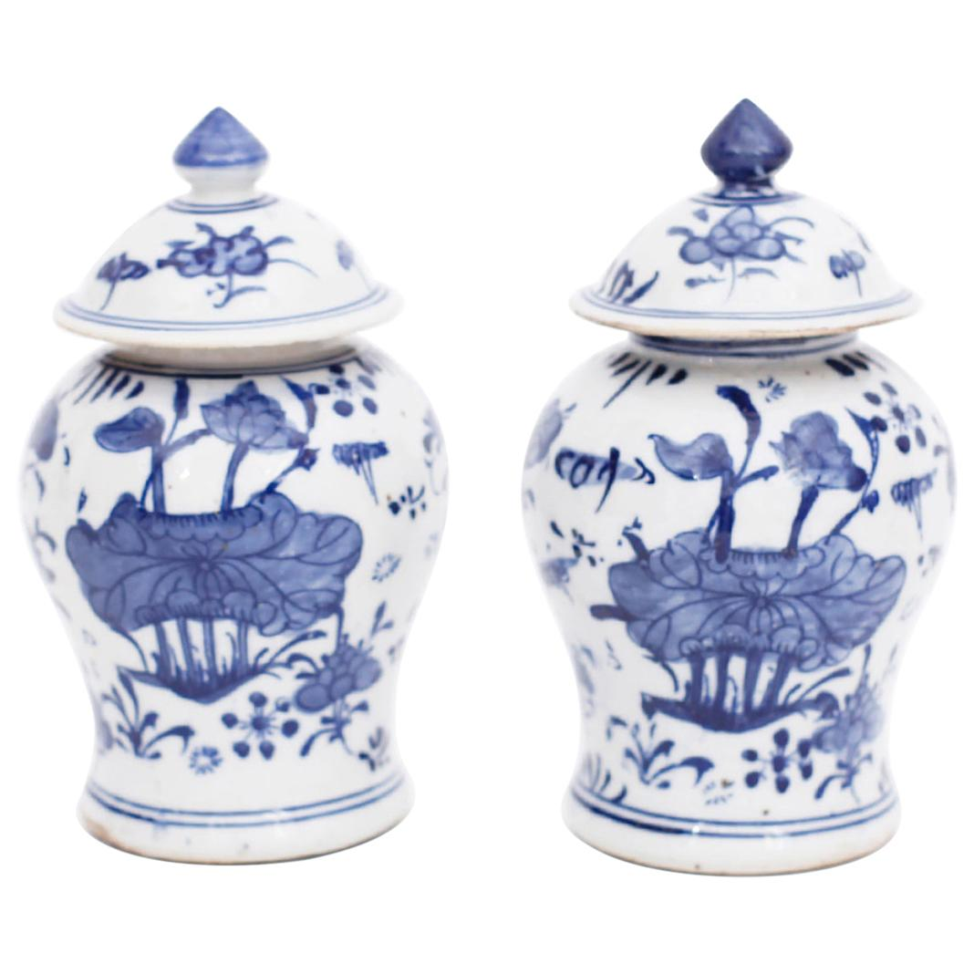 Pair of Chinese Blue and White Porcelain Lidded Ginger Jars
