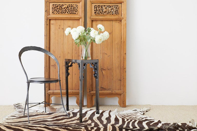 Pair of Chinese Carved Doors with Lattice Windows In Good Condition For Sale In Rio Vista, CA
