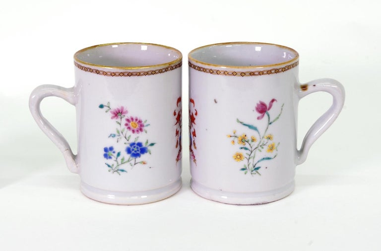 Pair of Chinese Export Armorial Small Mugs, circa 1750 In Good Condition For Sale In St. Louis, MO