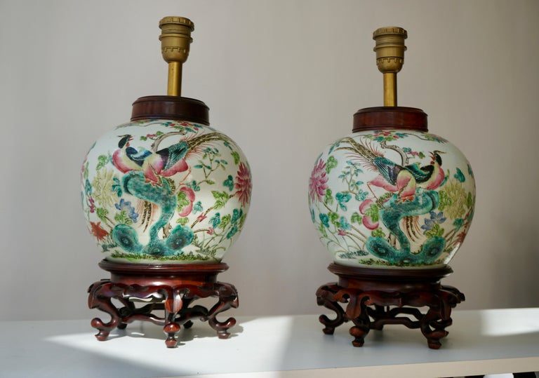 Pair of Chinese Export Porcelain Painted Ginger Jar Table Lamps with Birds In Good Condition For Sale In Antwerp, BE