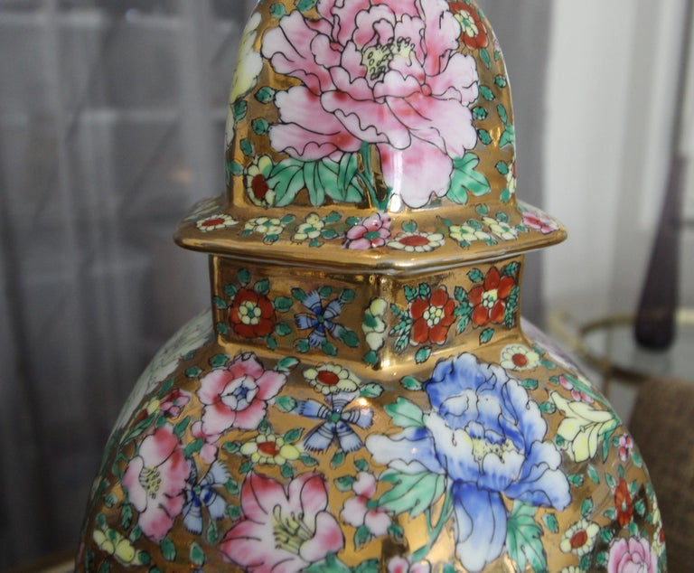 Pair of Chinese Famille Rose Millefleurs Porcelain Vase Table Lamps For Sale 6