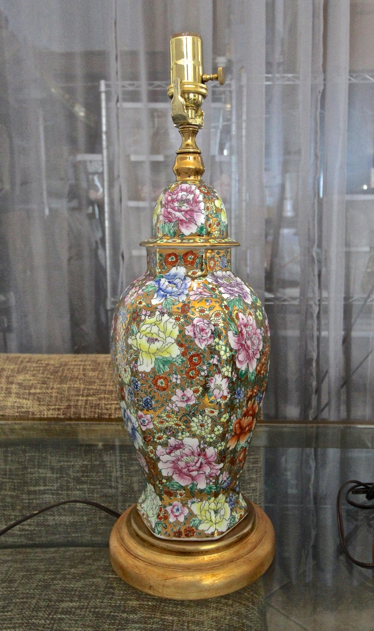Pair of Chinese Famille Rose Millefleurs Porcelain Vase Table Lamps For Sale 12