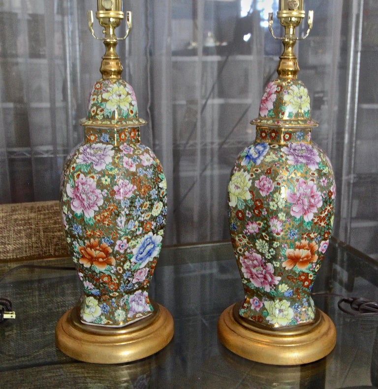 Pair of Chinese Famille Rose Millefleurs Porcelain Vase Table Lamps For Sale 14
