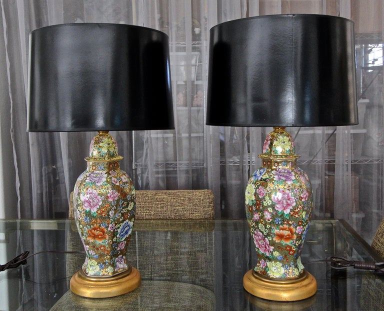 Pair of Chinese Famille Rose Millefleurs Porcelain Vase Table Lamps For Sale 15