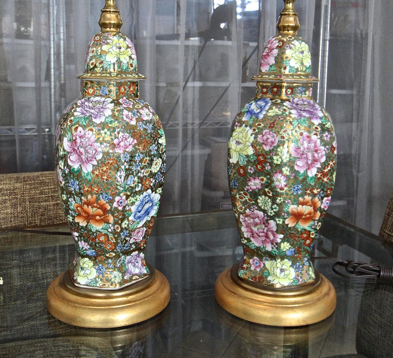 Brass Pair of Chinese Famille Rose Millefleurs Porcelain Vase Table Lamps For Sale
