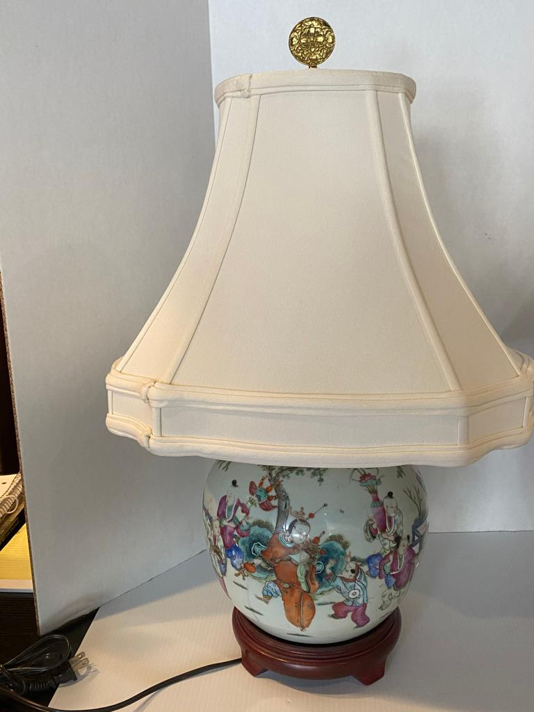 Chinese Export Pair of Chinese Famille Rose Porcelain Hand Painted Lamps For Sale