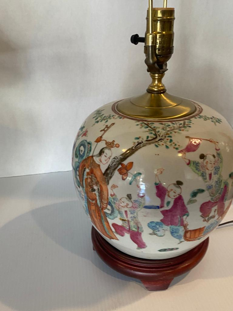 Hand-Crafted Pair of Chinese Famille Rose Porcelain Hand Painted Lamps For Sale