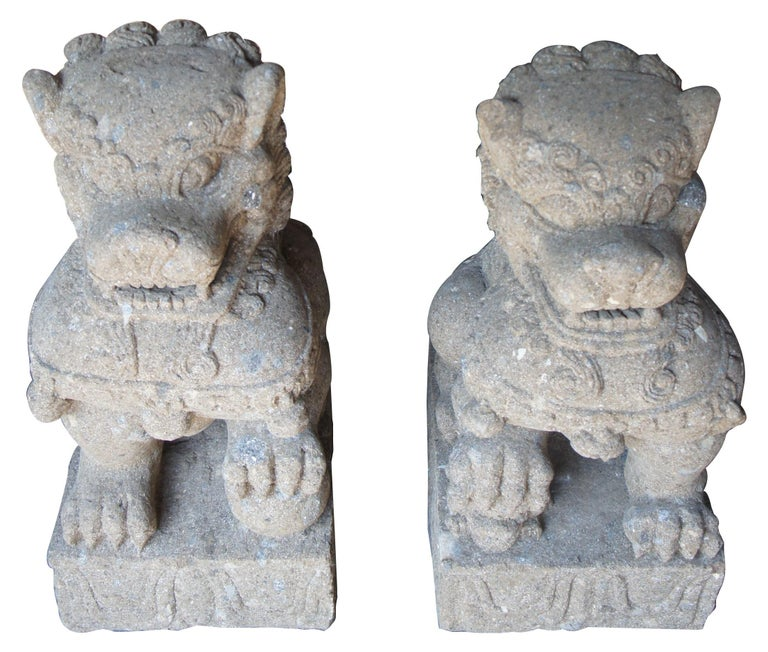Pair of Chinese Foo Dogs Concrete Statue Guardians Lions Stone Garden In Good Condition For Sale In Dayton, OH
