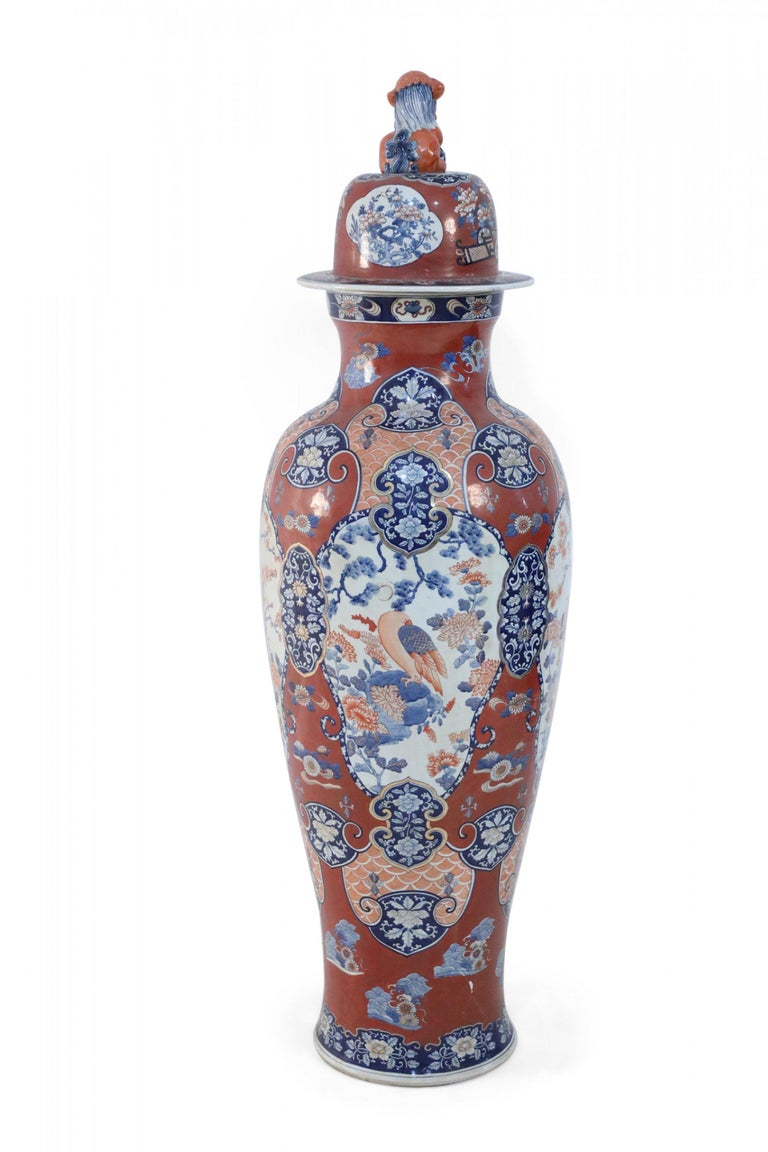 Pair of Chinese Imari-Style Monumental Lidded Porcelain Urns In Good Condition For Sale In New York, NY