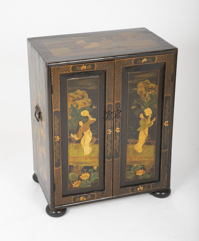 Pair of Chinese Low Cabinets In Good Condition For Sale In Port Chester, NY