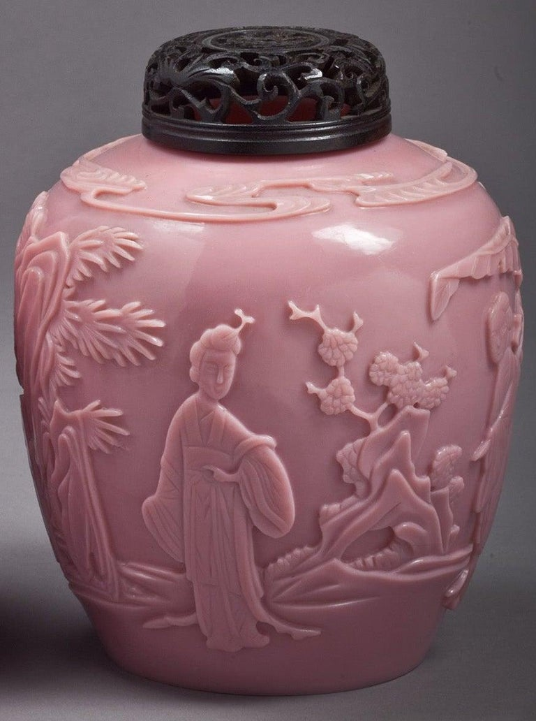 Pair of Chinese Peking Glass Covered Jars, circa 1800 In Good Condition For Sale In New York, NY