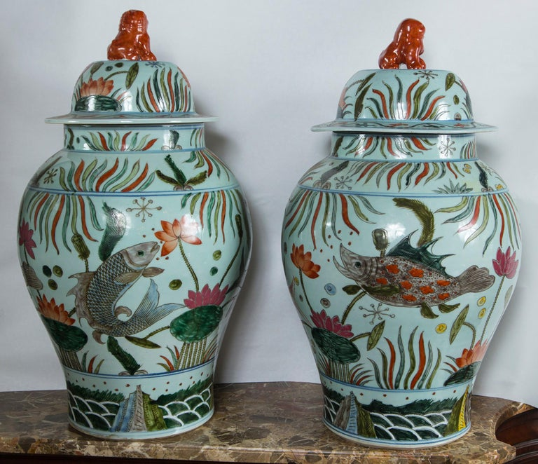 Hand-Painted Pair of Chinese Porcelain Covered Jars For Sale