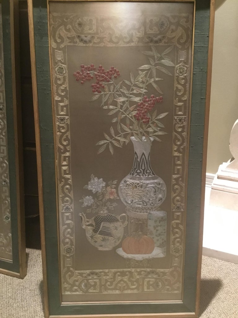 Hand-Woven Pair of Chinese Silk Embroidered Panels, Early 20th Century For Sale