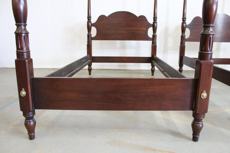 Pair of Chippendale Statton Old Towne Cherry Twin Size Bed ...
