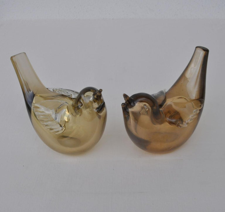 Hand-Crafted Pair of Chirping Birds, Hand Blown Iridescent Gold Crystal Glass by Paolo Venini For Sale
