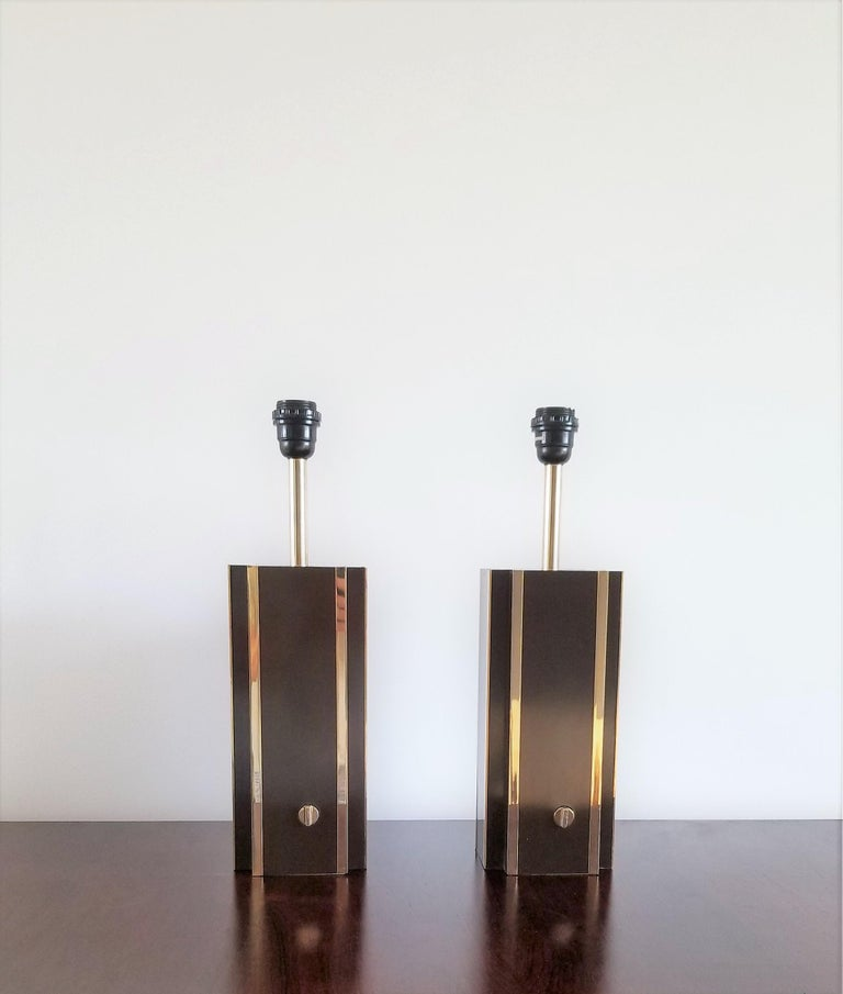 Pair of Chocolate Laminate Table Lamps with Brass Accents, France, 1970s In Good Condition For Sale In New York, NY
