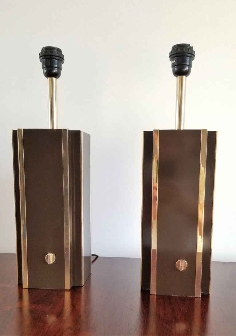 Pair of Chocolate Laminate Table Lamps with Brass Accents, France, 1970s For Sale 1