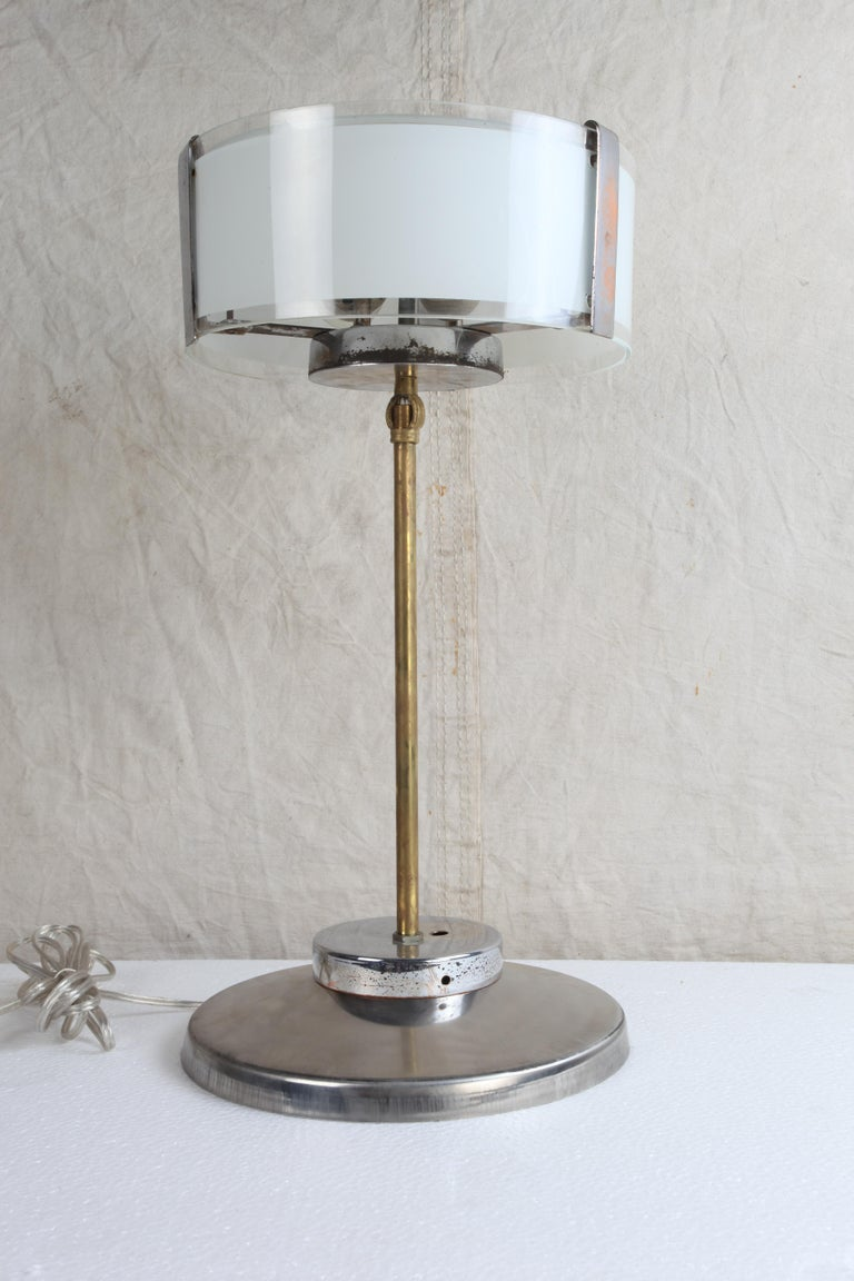 Pair of Chrome and Frosted Glass Mid-Century Modern Table Lamps In Good Condition For Sale In Nantucket, MA
