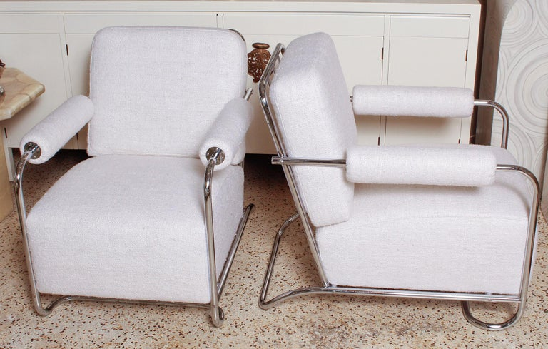 American Pair of Chrome Deco Lounge Chairs by Gilbert Rohde for Troy Sunshade, circa 1935 For Sale
