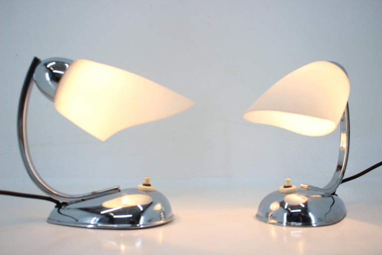 Pair of Chrome Glass Design Midcentury Table Lamps, 1950s In Good Condition For Sale In Praha, CZ