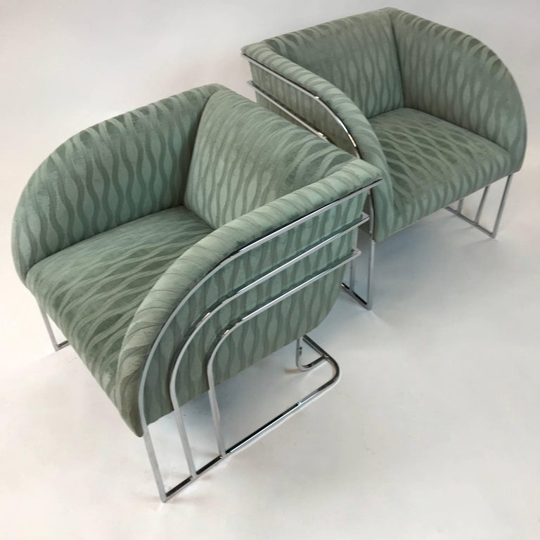 Mid-Century Modern Pair of Chrome Lounge Chairs By George Mergenov  For Sale