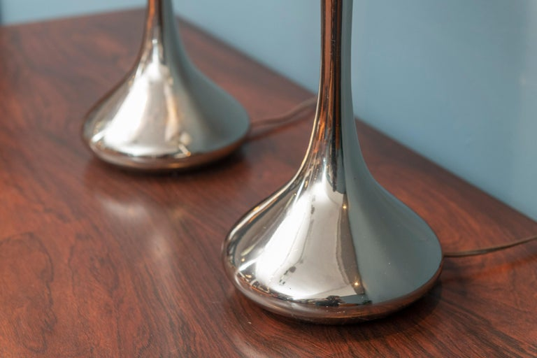 Mid-Century Modern Pair of Chrome Table Lamps by Laurel For Sale