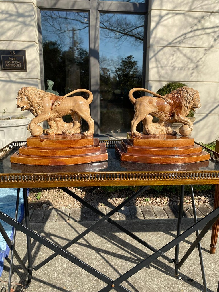 Pair of circa 1790 English porcelain lions, unusual form, unmarked.