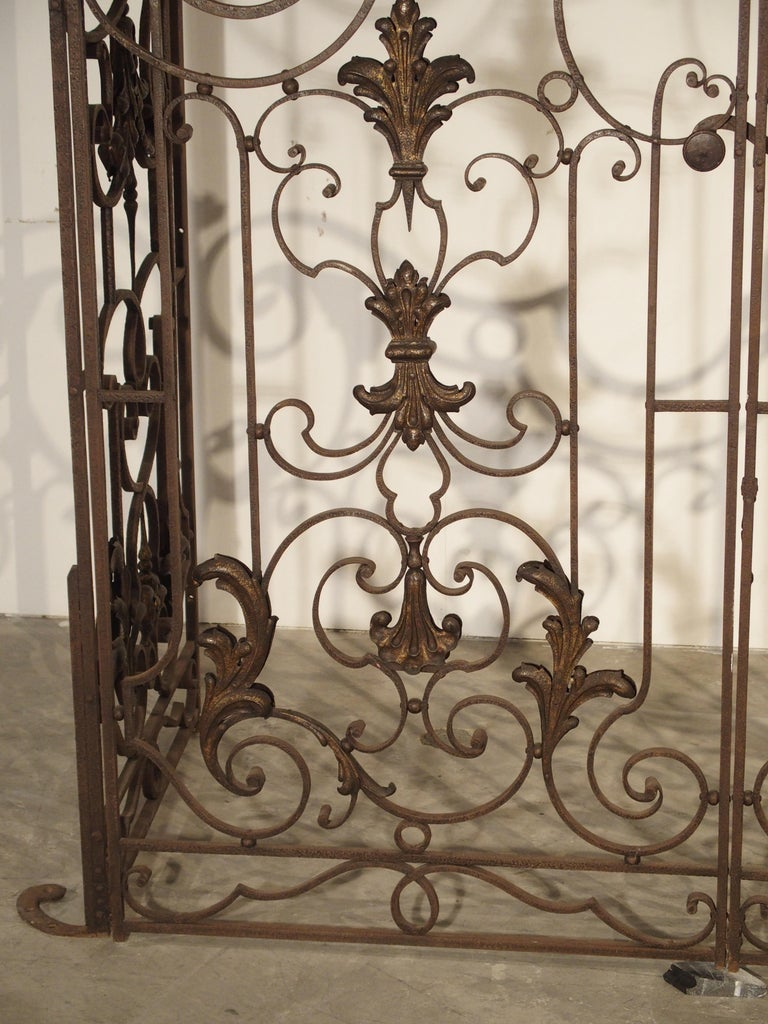 Tôle Pair of circa 1800 French Wrought Iron Gates For Sale