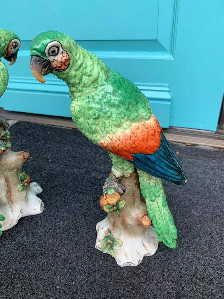 Pair of  Circa 1880s Edme Samson French Glazed Porcelain Parrots on Trunks For Sale 6