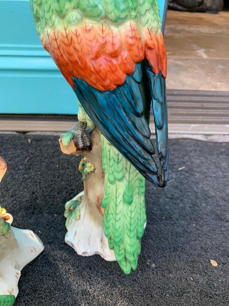 Pair of  Circa 1880s Edme Samson French Glazed Porcelain Parrots on Trunks For Sale 10