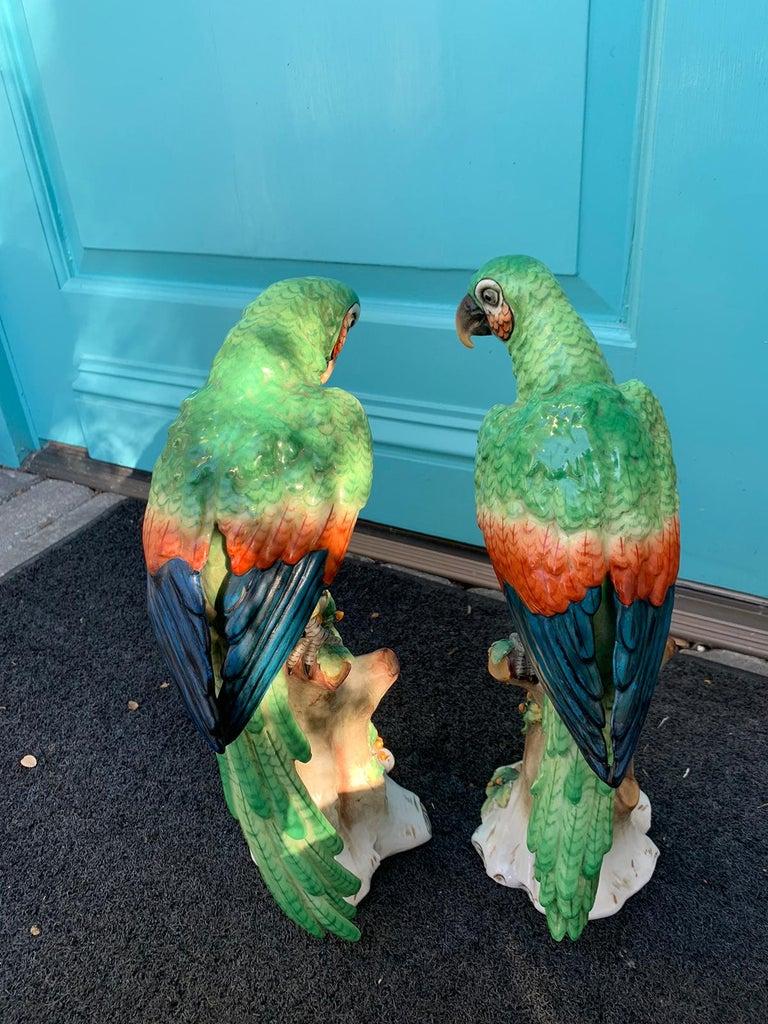 Pair of  Circa 1880s Edme Samson French Glazed Porcelain Parrots on Trunks For Sale 2