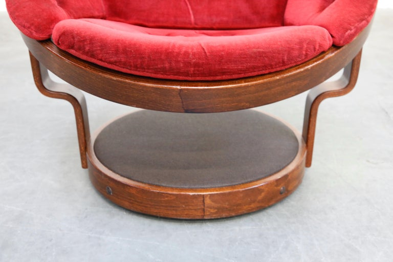 Pair of Circular Swivel Lounge Chairs by Oddmund Vad, 1970s, Signed For Sale 6