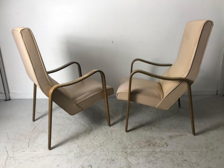 Pair of Classic Mid-Century Modern Bentwood Lounge Chairs by Thonet For Sale 5