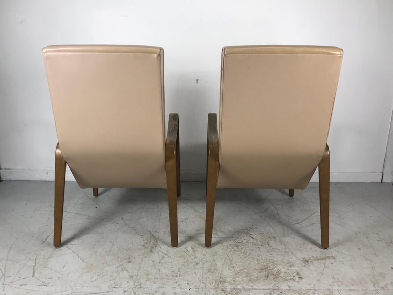 Mid-20th Century Pair of Classic Mid-Century Modern Bentwood Lounge Chairs by Thonet For Sale