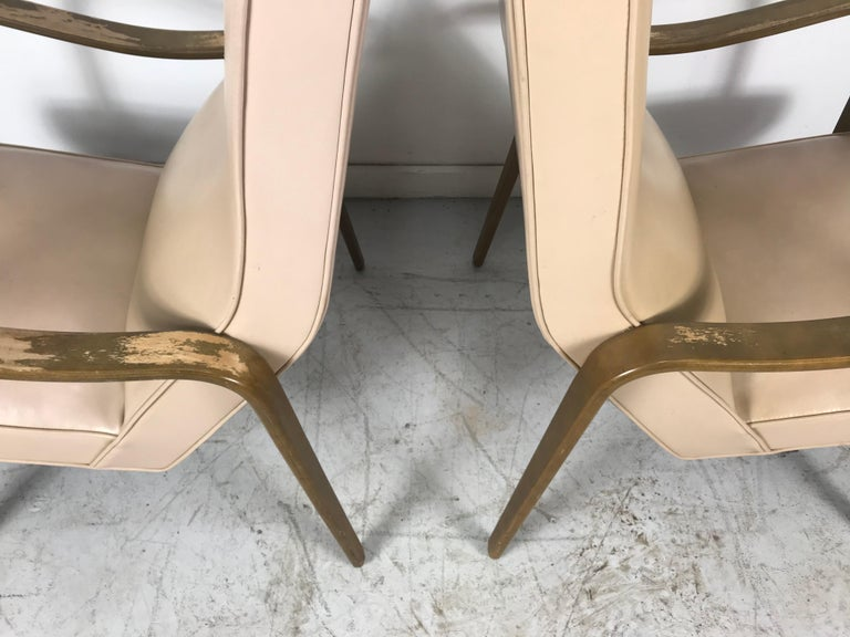 Pair of Classic Mid-Century Modern Bentwood Lounge Chairs by Thonet For Sale 3