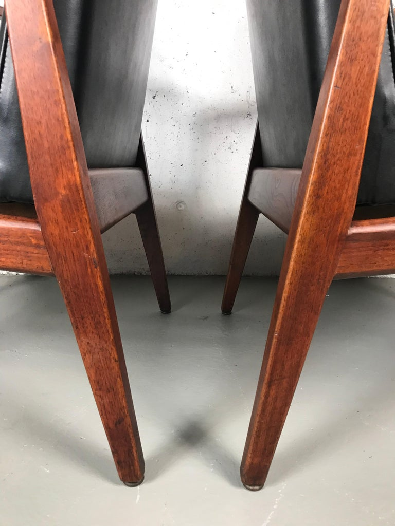 Pair of Classic Occasional Lounge Chairs by Jens Risom For Sale 7