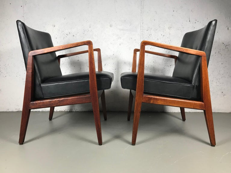Mid-20th Century Pair of Classic Occasional Lounge Chairs by Jens Risom For Sale