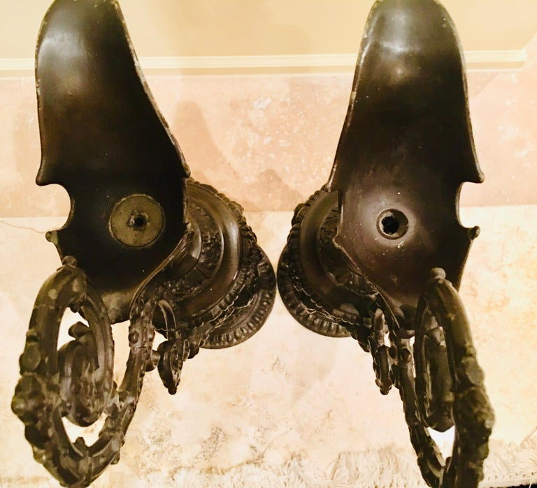 Pair of Classical 19th Century Bronze Fountain Ewers For Sale 9