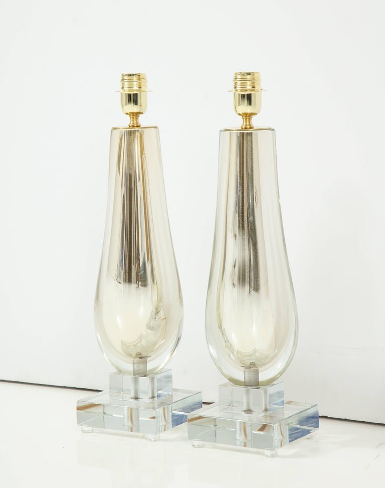 Mid-Century Modern Pair of Clear and Gold Mirrored Murano Glass Lamps, Italy, 2017 For Sale